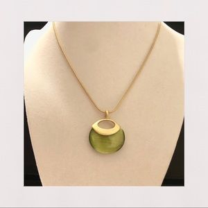 NEW   Green and Gold Tone Pendant Necklace